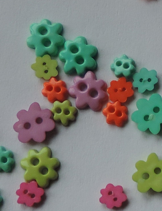 Mini Flower Buttons Assorted Color Package by Favorite Findings