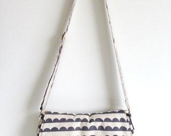 Crossbody bag - Messenger Bag in Black Half Moons on Natural