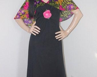 SC Vintage 1970s Boho Hippie Dress Cape Sleeve/  70s Black and Floral Print Maxi Dress