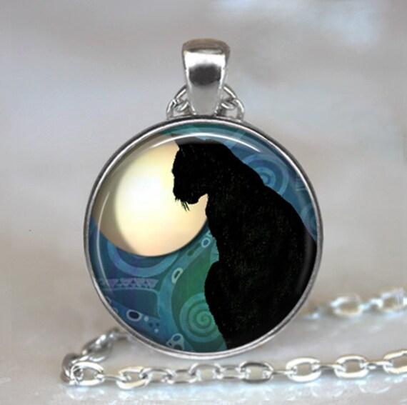 Black Cat Moon pendant, black cat jewelry, resin pendant, cat necklace, black cat pendant, witch's cat pendant keychain key chain