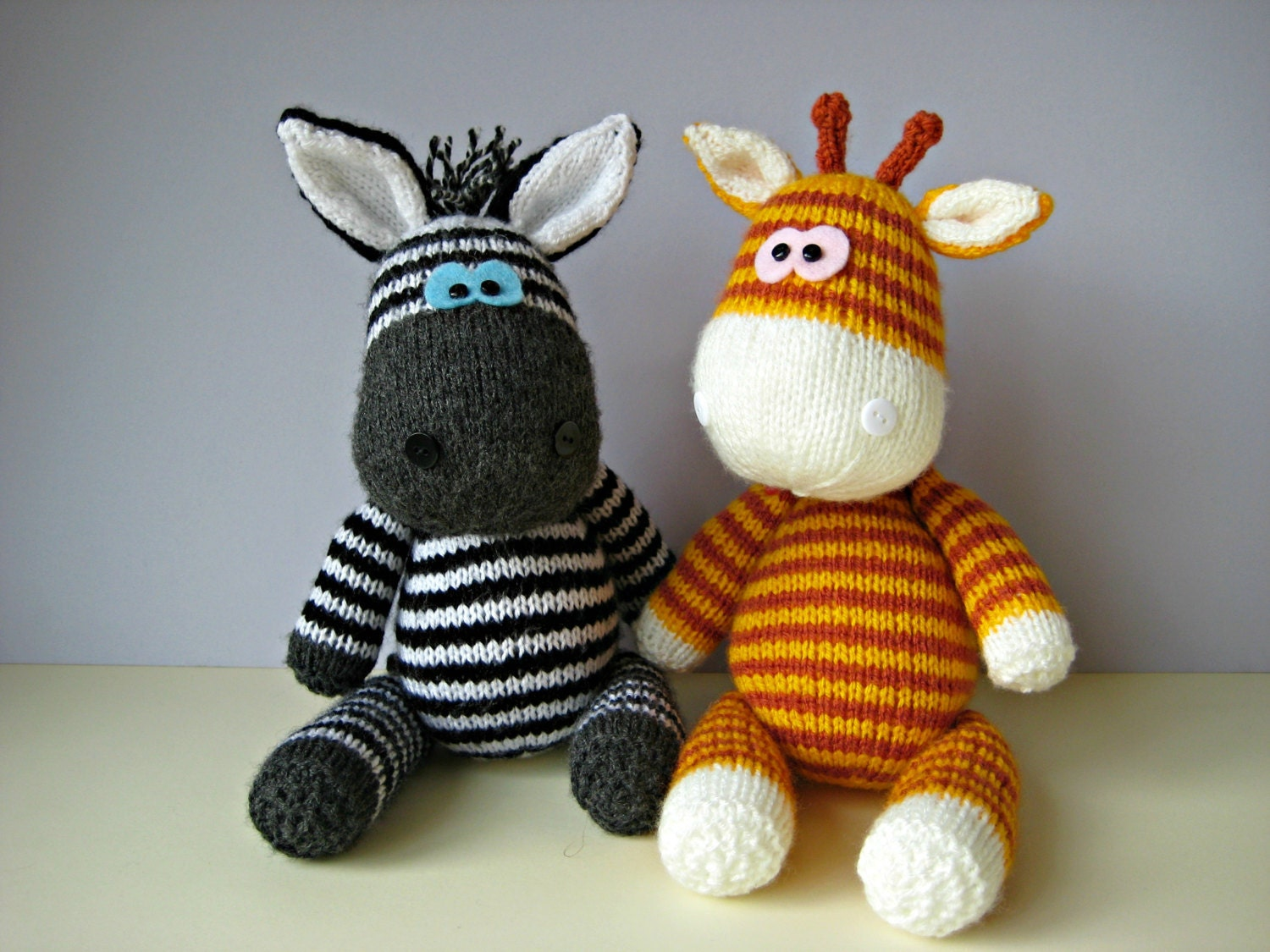 Dog Sweater Patterns Knitting : Gerry Giraffe and Ziggy Zebra toy knitting patterns