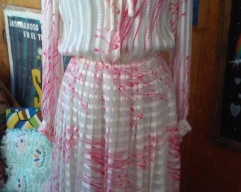 70s ALICE SCHWEITZER--Printed Silk Chiffon Dress--Made in France--Bow at Neck--Pleats--Pink and White--Size 8