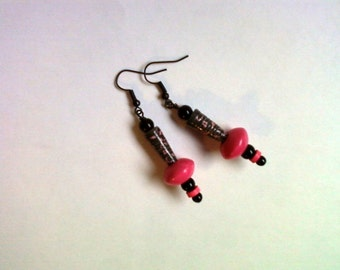 Black and Hot Pink Earrings (1941)