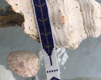 Indigo Feather Peyote Stitch Bracelet