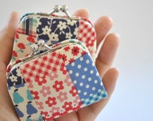 Fun patchwork - Tiny Kiss lock Coin Purse/Jewelry holder