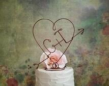 Personalized Wedding HEART and ARROW Cake Topper - Custom Monogram Cake Topper, Shabby Chic Weddings Cake Decoration, Wedding Table Decor