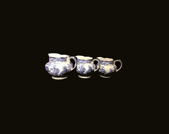 Set of 3 Antique Pitchers Jugs by Thomas Forester & Sons Limited, England c.1930s Blue and White