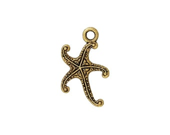 SALE - 8 Starfish Charms in Gold Tone - C2078