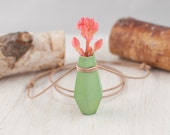 Geometric Hexagonal Planter Necklace in Mint