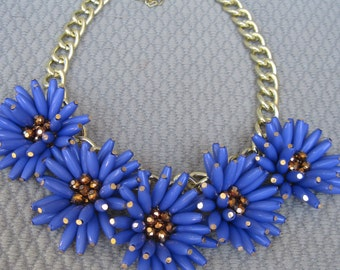 Five Dancing Blue Violet Spikey Chrysanthemums Necklace