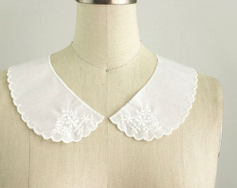 White Cotton Floral Embroidered Peter Pan Lace Collar / Scallop Trim / Vintage Style Collar / Two Piece Collar