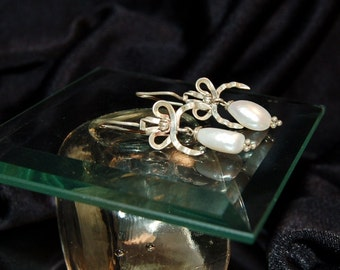 Vintage Authentic Baroque Pearl & Bow Earrings - Sterling Silver - Wire Clasp
