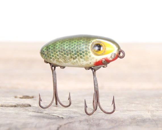 Fishing lure fishing decor vintage fishing lure by for Fishing lure decor