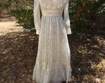 Gunne Sax Dress, Size 7, Floral Prairie Dress with Lace