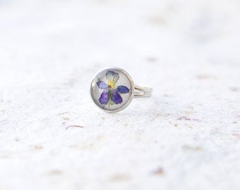 Real pansy flower ring - Pressed flowers jewelry - Real Viola flower ring nature lovers gift