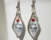 Sugar Skull Earrings - gothic, gift for her, girlfriend, sister, teenager, day of dead, halloween, geek