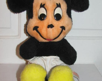 MINNIE MOUSE Stuffed ANIMAL // Vintage Walt Disney Characters California Los Angeles 70's Children's Toys Bedtime Girl Gift