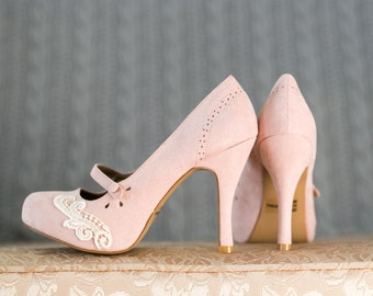 SALE. Blush Heels - Blush Mary Jane Pumps, Bridesmaid Gift, Blush Wedding Heels, Wedding Shoes, Blush Heels with Ivory Lace. US Size 10