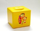 Vintage Schweppes Yellow Plastic Ice Bucket with Lid, Mid Century, Beer Cooler