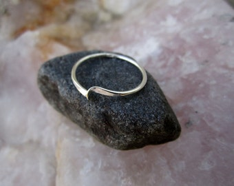 Single Sterling Silver Wave Ring - Solid Sterling - Minimalist - Stacking Ring