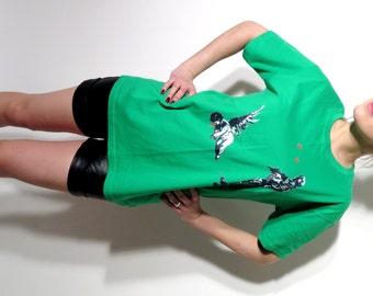 Banksy T Shirt / Banksy Cupid / Green T Shirt / Street Art / Tee Size L