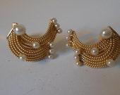 HOBE' Vintage Gold Tone 1/2-Moon ShapeMesh Style with Faux Pearl Clip on Earrings - Great Condition, Signed