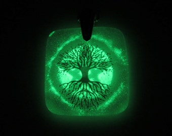 Glass Necklace - Pentacle Tree of Life - Glow in the Dark