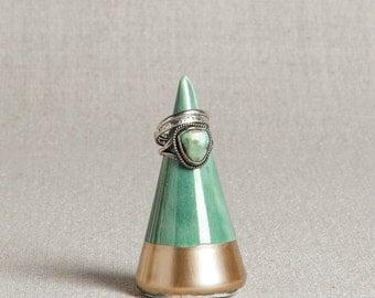 Ready to Ship : Minimalist Ring Holder - Emerald + Gold