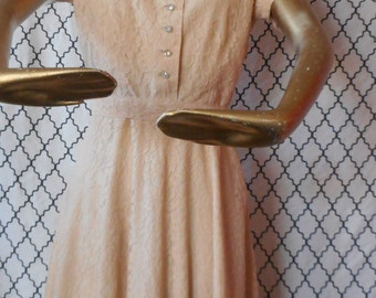 50's Vintage Formal Peach Circle Skirt Lace Dress with Rhinestone Buttons