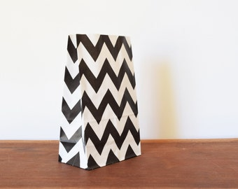 12 Black and White Chevron Paper Bags, Stand Up Paper Bags, Popcorn Bags, Baby Shower, Paper Party Supplies, Favour Treat Gift Bags