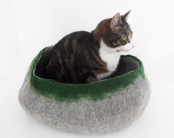 Cat Bed House Basket natural grey and Green Cat Bedding