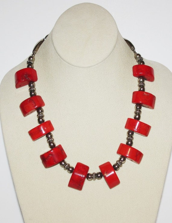 coral statement necklace s999 by scladydijewelry on etsy