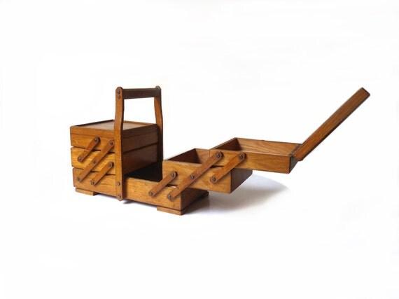 Travailleuse vintage en bois bo te couture ancienne bo te for Travailleuse boite couture ancienne