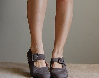 mauve suede flapper pumps | buckled mary jane shoes