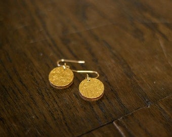 Round earrings gold / silver / green
