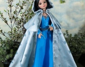 """Ellowyne Cape a pattern for a floor length or short cape for 16"""" dolls with the Ellowyne Wilde Body, Pru, Amber, Lizette Tonner"""