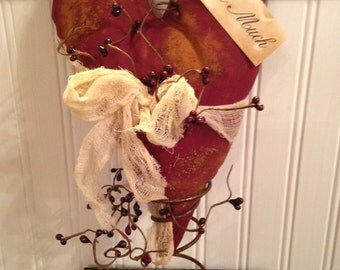 Primitive Grungy Valentine Heart with Pip Berries Table Tree Top Nodder Rusty Spring Decoration