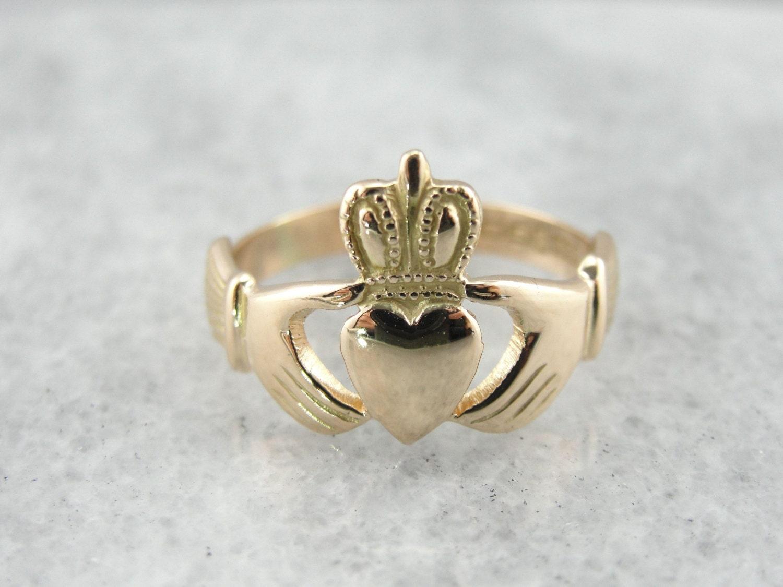 vintage claddagh ring in warm gold with original hallmarks