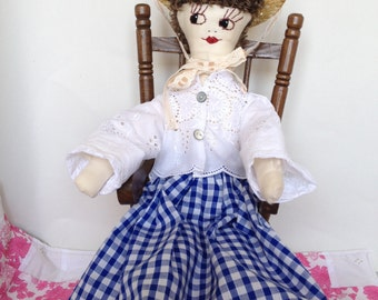 Popsy Postlethwaite is a cloth doll with pretty clothes – a rag doll looking for her forever love.