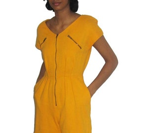 Vintage Ronnie Heller Mustard Yellow Expose Zipper V-Neck Pleated Pockets Romper Jumpsuit Size