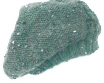 Handknitted green beret. Handcrafted slouchy hat green tweed yarn, handmade beanie, handknitted slouchy ladies hat, handknitted beret cable