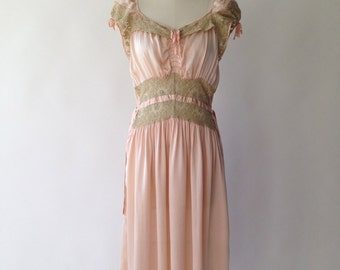 40s dusty peach silk & chartreuse lace nightgown / S / M