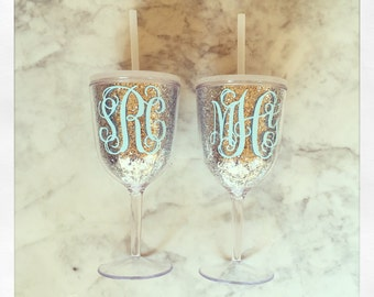 Personalized Acrylic Wine Glass with Lid and Straw {Silver Glitter}