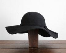 Vintage black Wool Felt Capeline