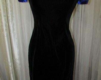SALE Vintage Black Velvet Dress with royal blue satin bow on back, size 9/10, little black dress, dinner dress, elegant dress, classy dress