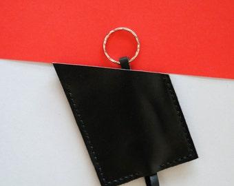Black parallelogram leather key holder