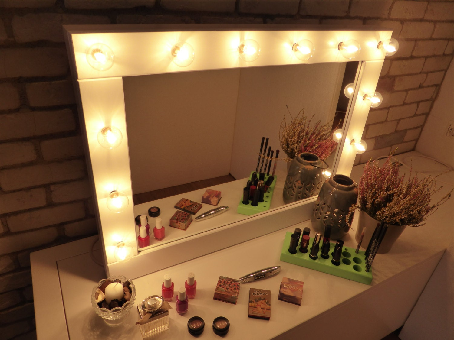 Vanity That Lights Up : Make up Mirror with lights Vanity mirror by CraftersCalendar