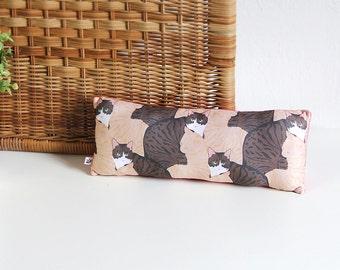 Mosaic cat long wrist pillow