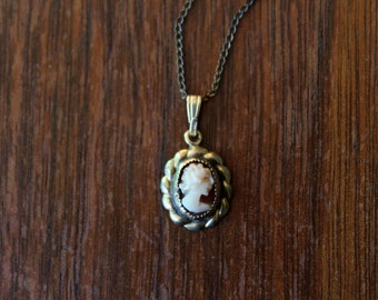 vintage 1940s cameo necklace // 40s mini cameo necklace gold filled