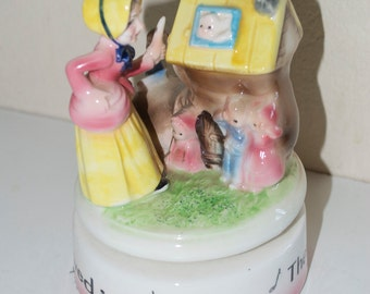 Old Woman Who Lived In A Shoe Revolving Ceramic Music Box Vintage Nursery Rhyme